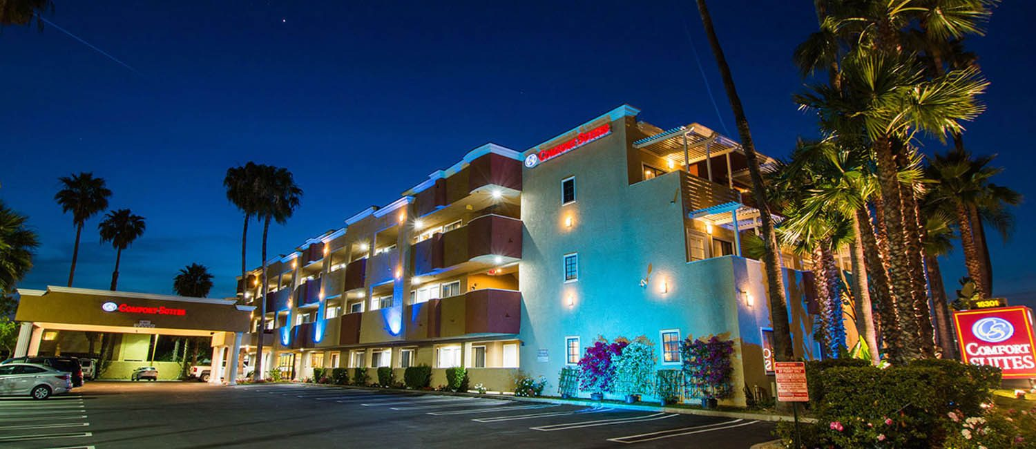 WELCOME TO COMFORT INN AND SUITES HOTEL IN HUNTINGTON BEACH